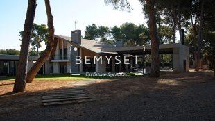01 JAVIER´S HOUSE BEMYSET